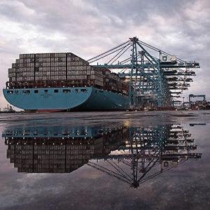 B-Marítima-y-naviera.png